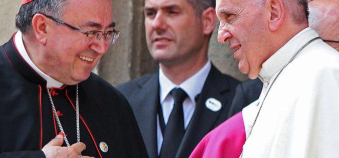 Папата одлучи кардинал Пулиќ да продолжи со службата