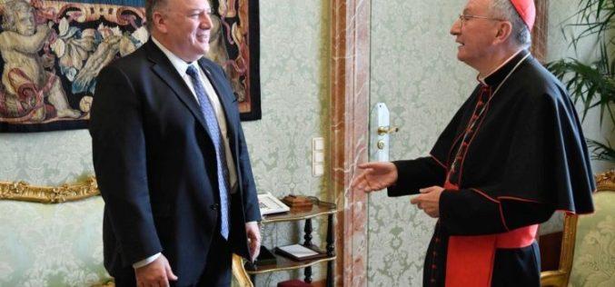 Кардинал Паролин го прими државниот секретар на САД Мајк Помпео