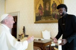 Американски кошаркари го информираа Папата за нивната борба против расизмот