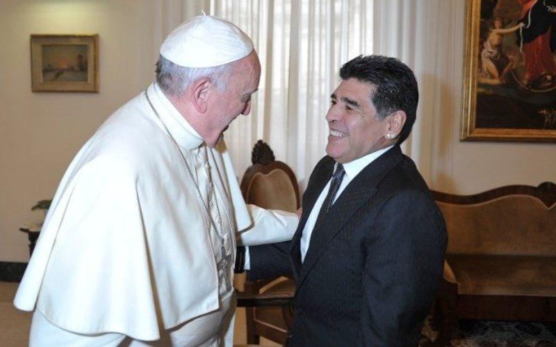 Папата Фрањо се моли за покојниот Марадона