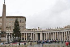 Папата: Ниту една пандемија не може да го изгаси светлото на Божјата љубов и добрина