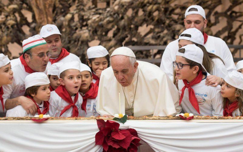 Папата Фрањо денес го слави својот 84 роденден