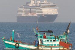 Папата Фрањо побара помош за заглавените морнари