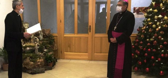 Богопосветените лица од Скопје му го честитаа Божиќ на бискупот Стојанов
