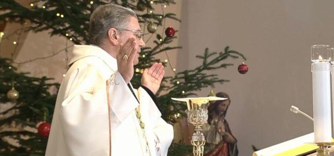 Бискупот Стојанов служеше Божиќна света Литургија во Скопската катедрала