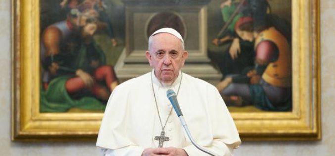 Папата Фрањо се заблагодари за божиќните честитки