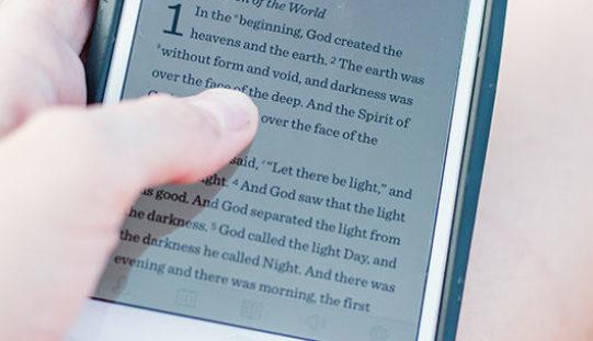 """Најчитаниот библиски стих во 2020 година: """"Не плаши се, зашто Јас сум со тебе"""""""
