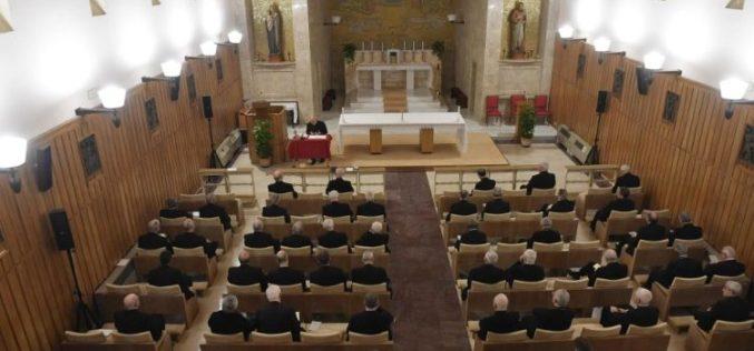 Откажани заедничките духовни вежби за Римската курија