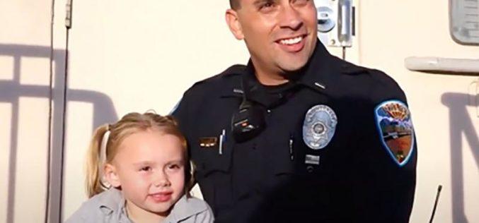 Полицаец посвои девојче за коe се погрижи на должност