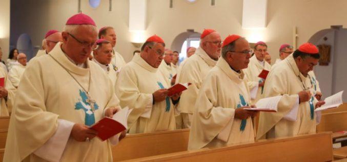 Црквата во Европа моли за жртвите од пандемијата