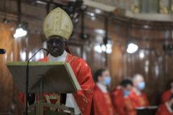 Папата Фрањо го прифати повлекувањето на кардинал Роберт Сара