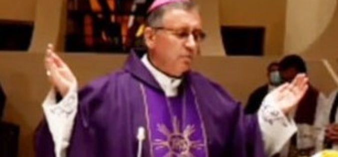 Бискупот Стојанов Стојанов служеше света Литургија со обред пепелење
