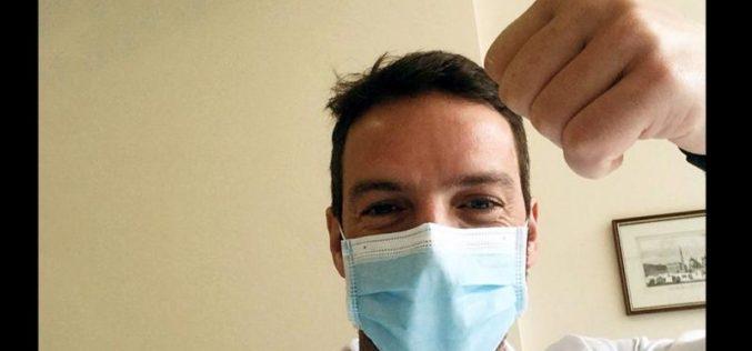 Португалски свештеник и некогашен медицински техничар се врати во болницата