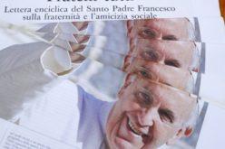 """Папата ги поздрави учесниците на презентацијата """"Fratelli tutti"""", преведена од муслимани"""