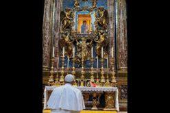 Папата се помоли во базиликата Света Марија Велика