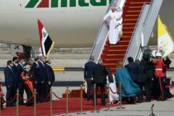 Папата Фрањо пристигна во Ирак