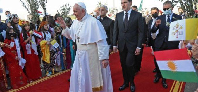 Папата Фрањо пристигна во Ербил
