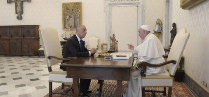 Папата го прими претседателот на Португалија Марсело Ребело де Соуса