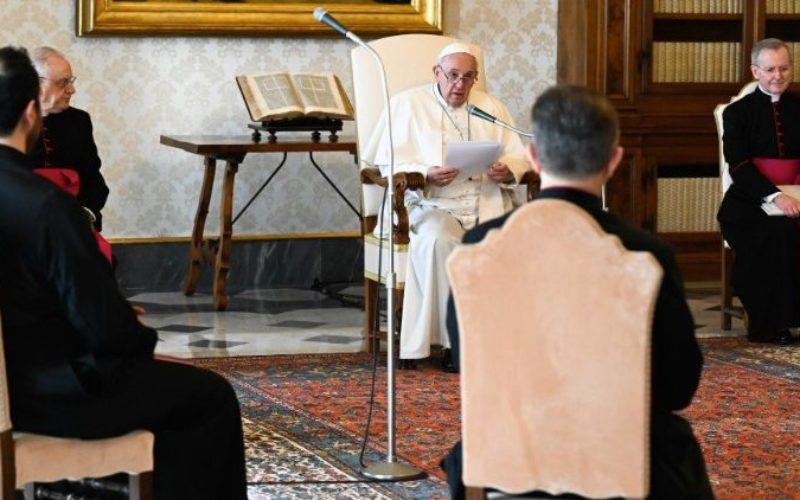 Генерална аудиенција: Богородица е близу до оние кои умираат сами во пандемијата