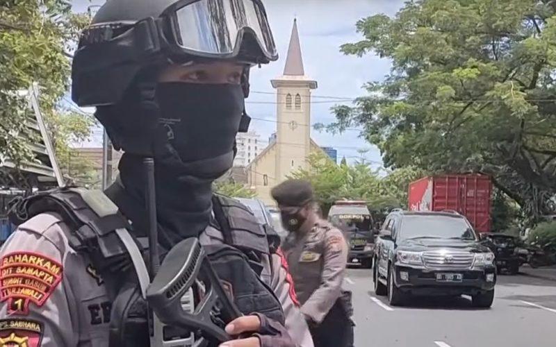 Напад на Католичка црква во Индонезија на Цветници