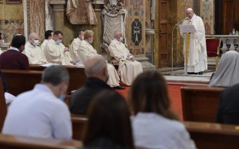 Папата ја предводеше светата Литургија во римското светилиште на Божјото милосрдие