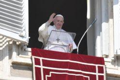 Од недела повторно пладневна молитва со Папата на ватиканскиот плоштад