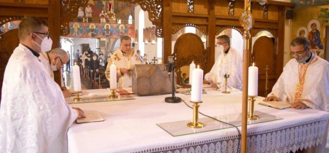На Велигден епископот Стојанов служеше во Струмичката катедрала