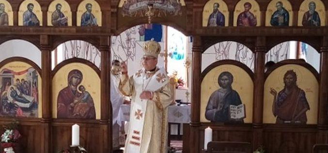 """На Светол Вторник епископот Стојанов служеше во парохиската црква """"Раѓање на Свети Иван Крстител"""" во Струмица"""