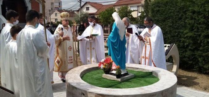 Струмица: Благословена статуата на Пресвета Богородица