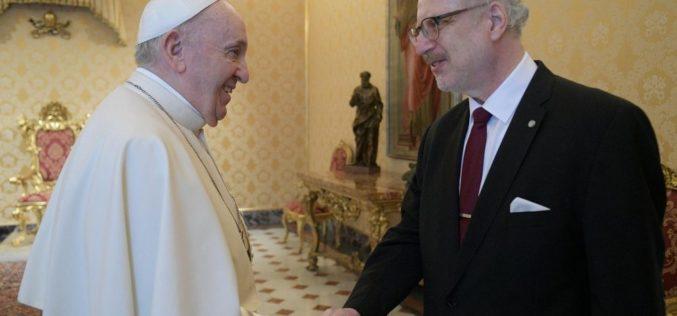 Папата Фрањо го прими во аудиенција претседателот на Летонија