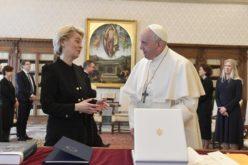 Папата Фрањо во аудиенција ја прими претседателката на Европската комисија Урсула фон дер Лајен