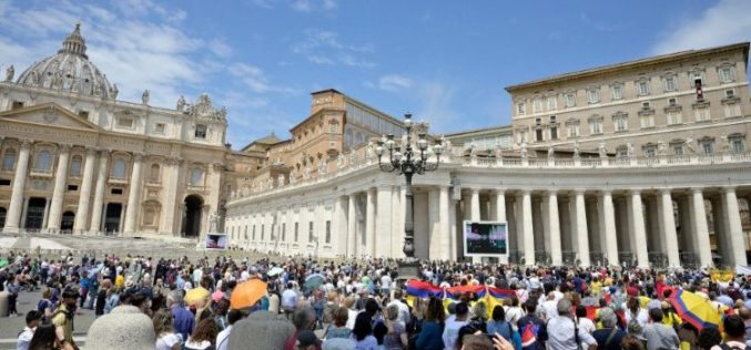 Папата најави средба со претставници на христијанските заедници од Либан