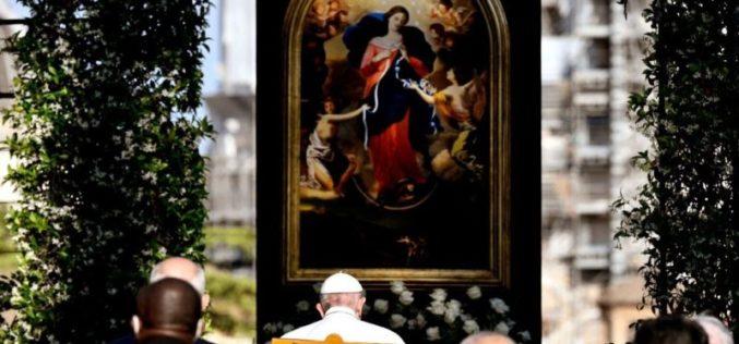 Во Ватиканските градини заврши молитвениот маратон за престанок на пандемијата