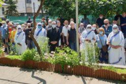 Бискупот Стојанов на средба со корисниците на народната кујна на сестрите Мисионерки на љубовта