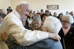 Објавена пораката на Папа за 1. Светски ден на баби и дедовци и стари лица