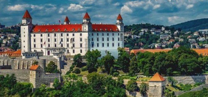 Словачка со нетрпение ја очекува посетата на Папата