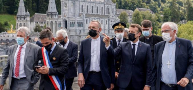 Францускиот претседател Макрон го посети Лурд