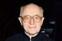 Папата изрази сочувство по повод смртта на кардинал Алберт Ванхое