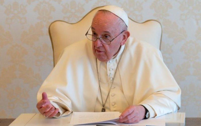 Светиот Отец: Културата и убавината не се создаваат со ропска работа