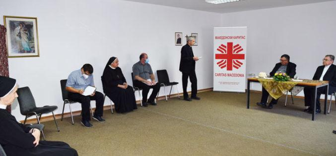 Кардинал Винко Пулиќ го посети Македонски Каритас