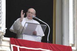 Папата Фрањо предупреди на опасноста од надворешна религиозност