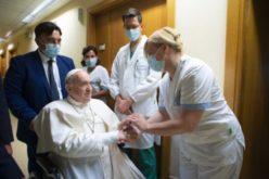 Папата за шпанско радио: Кога Папата е болен се крева ураган од шпекулации за конклави