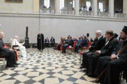Папата до Евреите и христијаните: Учете се на братство за да не преовладее омразата