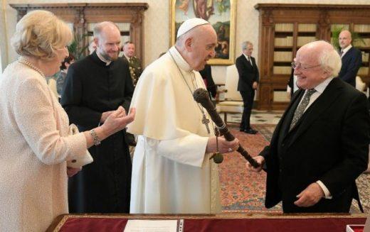 Папата во Ватикан го прими претседателот на Ирска