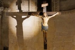 Папата: Во Крстот, Божјата милост го опфаќа секој аспект на човештвото
