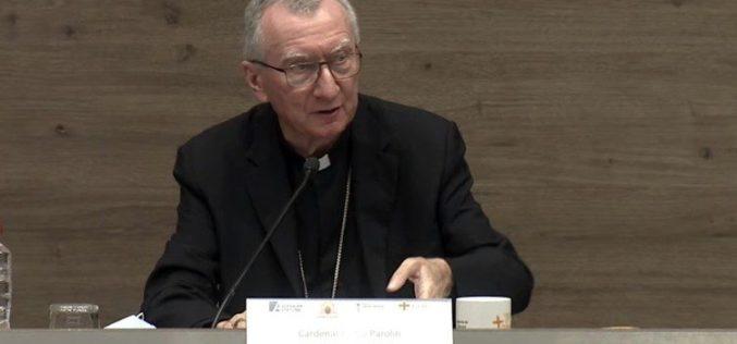 Кардинал Паролин: Грижата за заедничкиот дом покрај пандемијата е најитната задача на човештвото