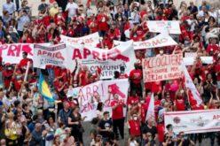 Папата за мигрантите: Да не ја затвораме вратата на нивната надеж