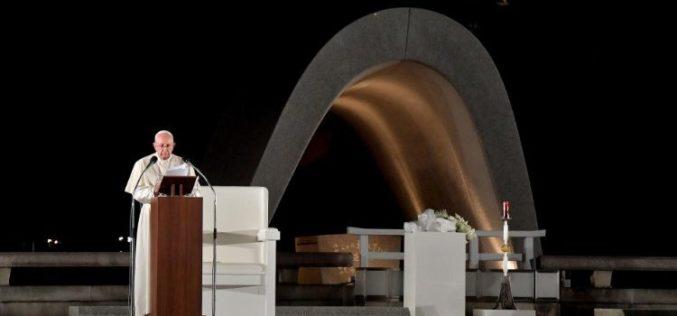 Папата: Трката во нуклеарното вооружување е расипување на скапоцени средства