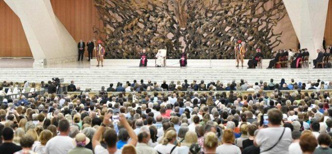 Генерална аудиенција: Божјата благодат да се комбинира со дела на милосрдие