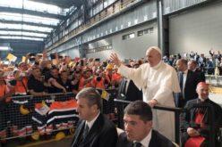 Папата: Нема да се изморам да зборувам за достоинството на работата